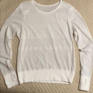 lululemon long sleeve white shirt.